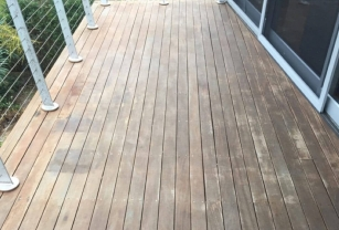 Full Circle Refinishing - Before Timber Deck Maintenance