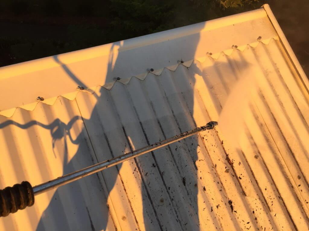 Full Circle Refinishing - Pressure Cleaning Roof
